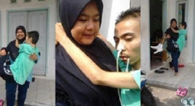 MASYA ALLAH..Jika ANDA Masih Punya Hati Nurani, Mohon Bantu BAGIKAN!!! Kisah Nyata Yang Mengharukan, Wanita Gendong Suami yang Sedang Sakit Ini, Gerakkan Hati Ribuan Netizen, Begini Ceritanya..