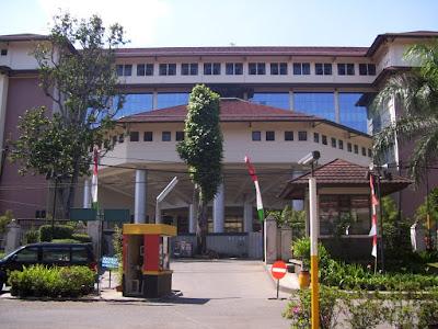 Daftar Universitas Terbaik di Indonesia UNPAD