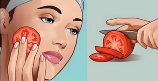 Frottez une tomate fraiche sur votre visage et les résultats vous étonneront