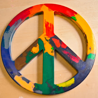 September 22 is International Peace Day and what better way to celebrate than participating in some peaceful activities and peace crafts.