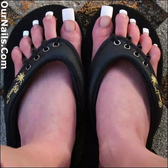 Extra Long Toe Nails Are The New Trend For Summer 2019