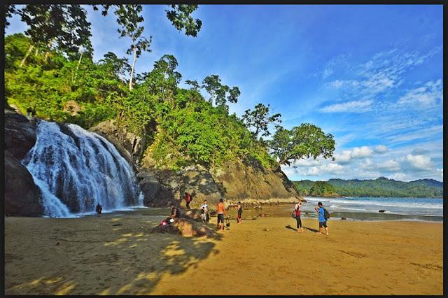 Air Terjun Pantai Banyu Anjlok Malang