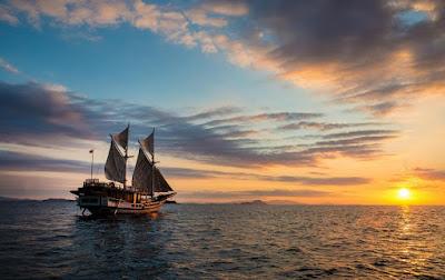Penyebaran Suku-Suku Bugis di Luar Sulawesi Selatan perahu pinis