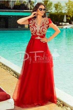Rochie rosie lunga de seara cu broderie florala si insertii aurii handmade