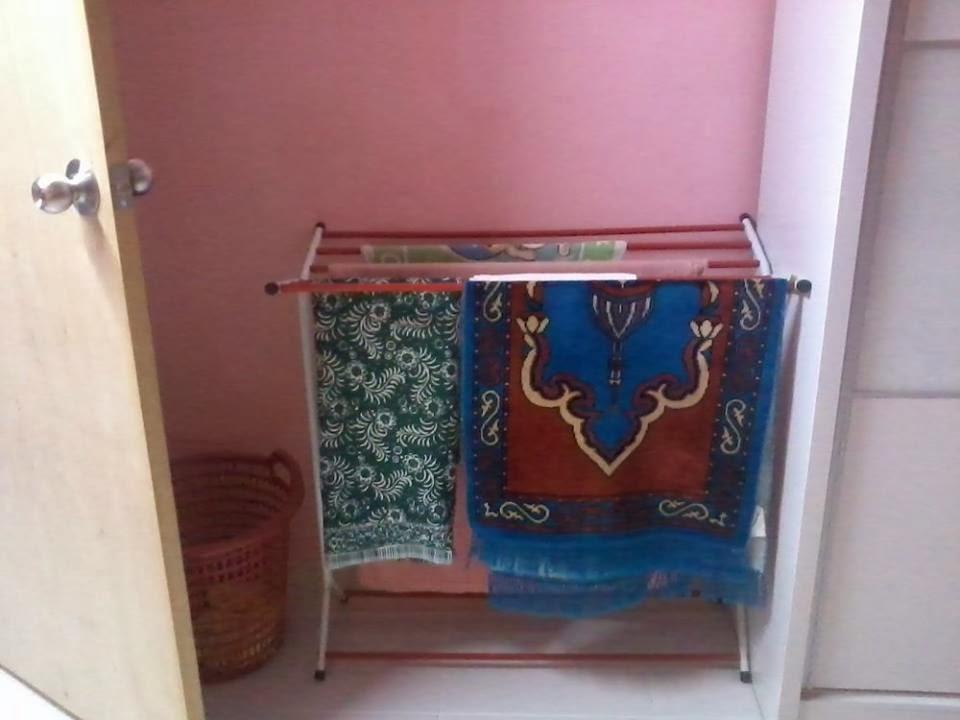 Miss Loly Susun Atur Perabot Dalam Bilik Tidur