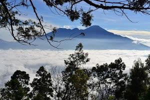 Taklukkan! 5 Gunung Di Malang Yang Harus Kamu Kunjungi