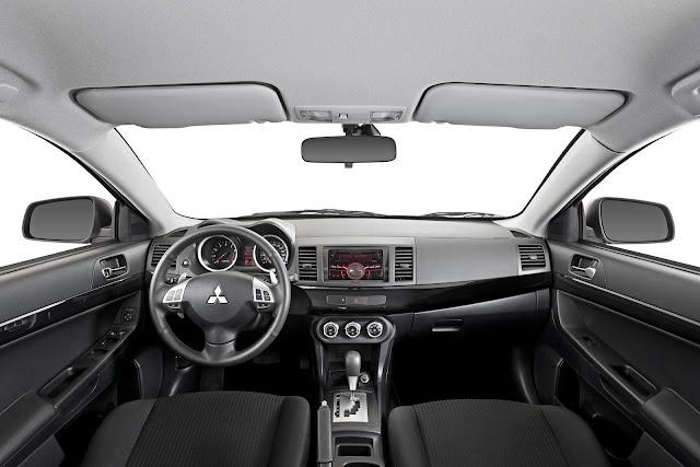Mitsubishi Lancer 2018 HL - interior