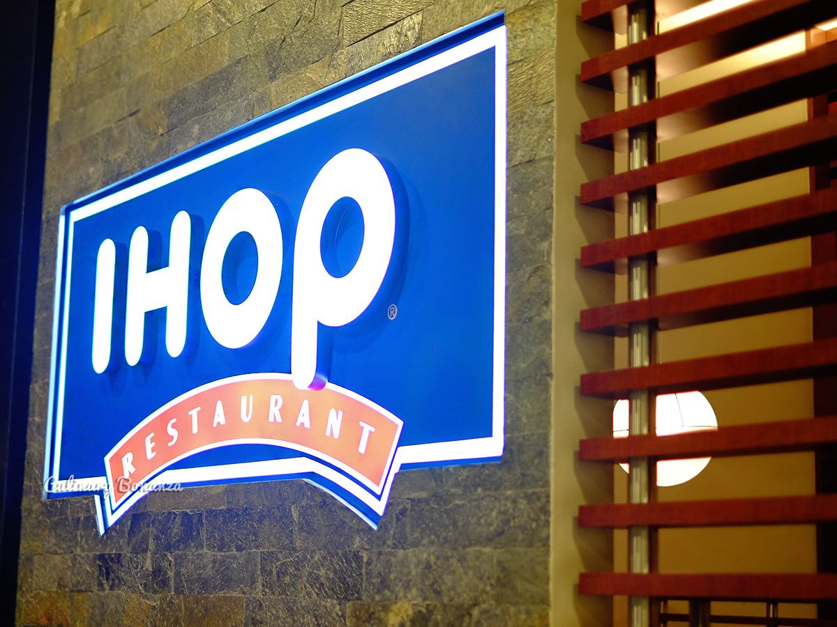 IHOP International House of Pancakes (www.culinarybonanza.com)