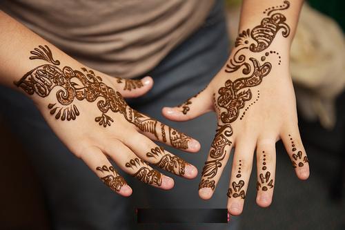 Latest Arabic Me...Latest Arabic Mehndi Designs 2011 For Hands