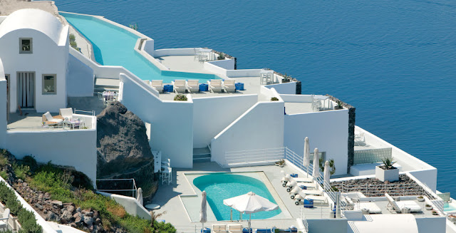 Grace Hotel Santorini, Auberge Resorts Collection, is a boutique luxury hotel in Imerovigli, Santorini, Greece. Stay between April and October. Book today with us for the best price!