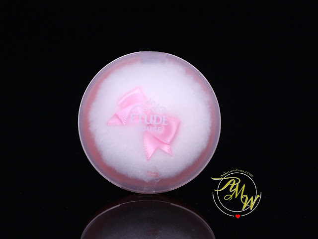 a photo of Etude House Cookie Blusher in Peach Choux Wafer