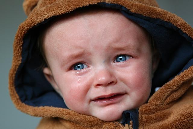 bayi rewel suka menangis, cara mengatasi bayi rewel, cara mengatasi bayi menangis, bayi rewel, bayi mengangis, bayi, menangis, bayi menangis tiba-tiba