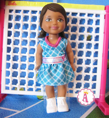 Маленькая кукла барби, малышка теннисистка