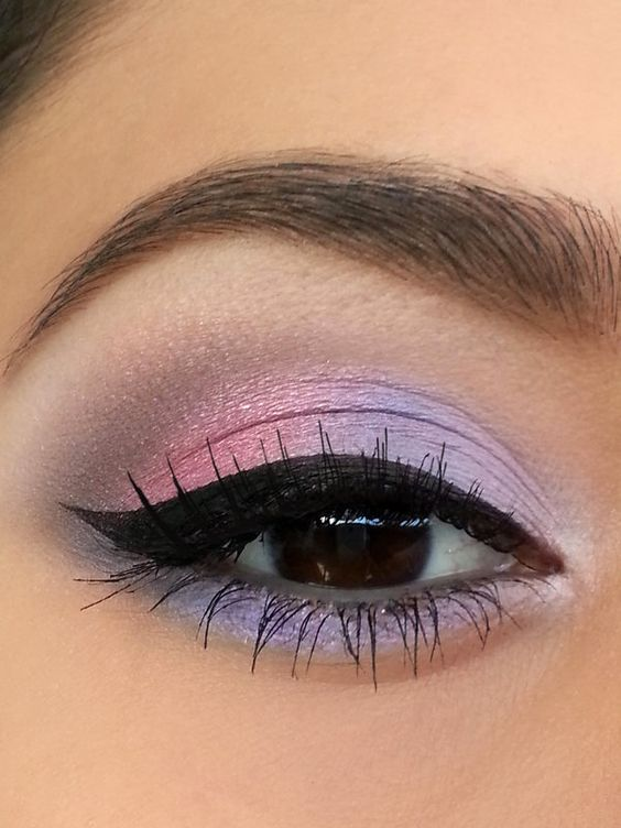 purple eyes makeup idea