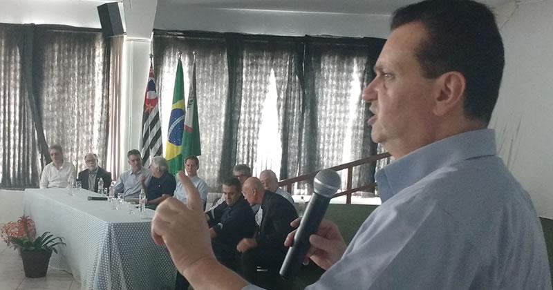 PF rastreia pagamento de R$ 23 mi da JBS a empresas ligadas a Kassab