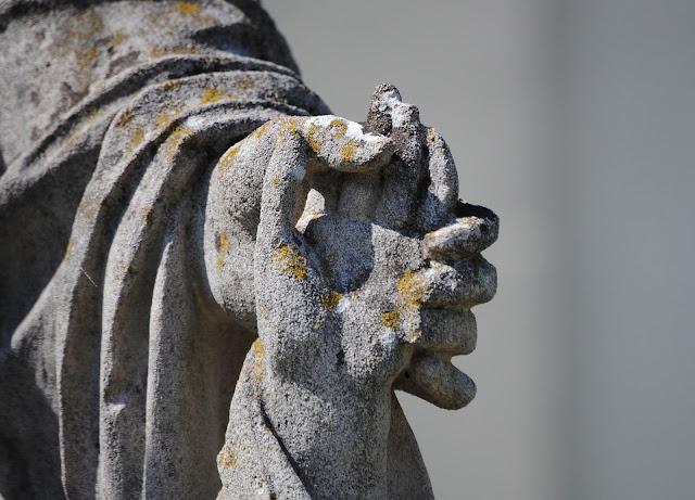 https://pixabay.com/it/mano-nella-mano-battesimo-1252561/#_=_