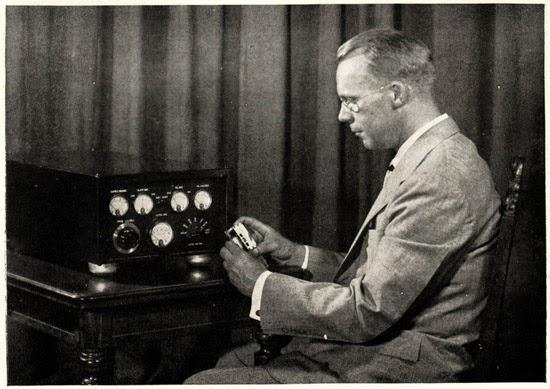 inventor do relógio de quartzo