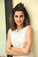 Taapsee Pannu in cream Sleeveless Kurti and Leggings at interview about Anando hma ~  Exclusive Celebrities Galleries 032.JPG