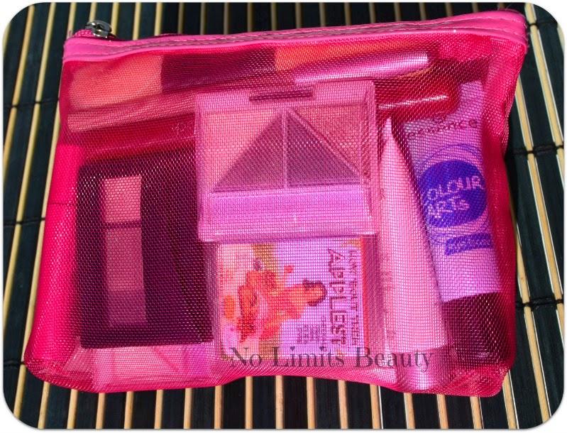 ¿Qué llevo en mi neceser de maquillaje del bolso?