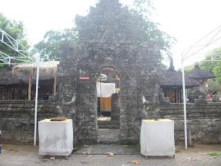Pura Sakenan, Shakti adalah simbol dari bala atau kekuatan (Tantrayana)