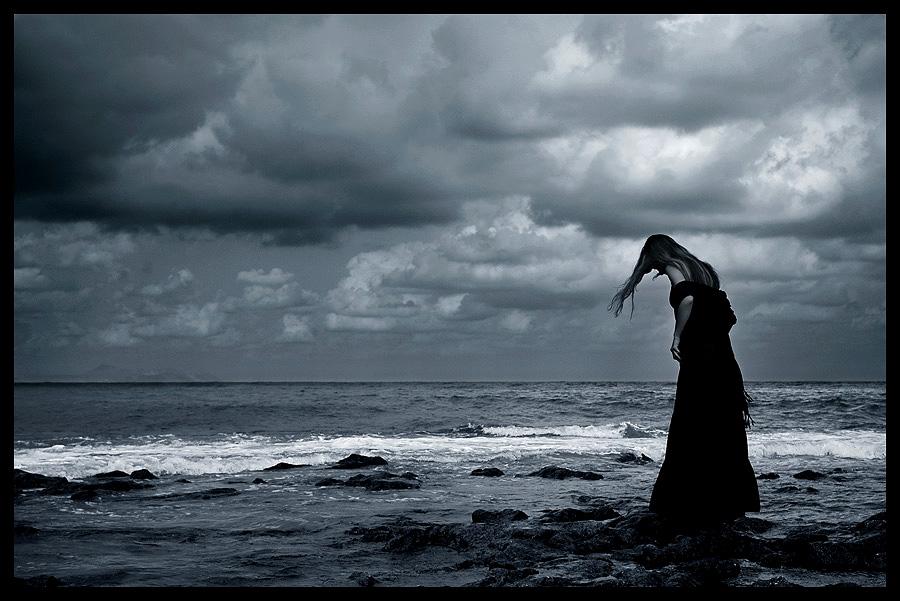 http://4.bp.blogspot.com/-HYrXKaFzOKk/TzTUBDHDgRI/AAAAAAAAEes/J3eenkNT1IM/s1600/solitude-waters-cloudy-silence.jpg