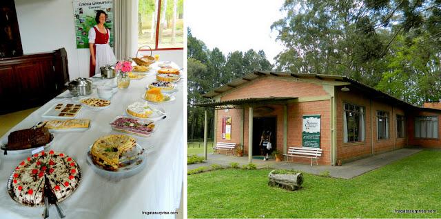 Típico café colonial no Sabores da Colônia, em Witmarsum