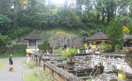 Goa Gajah Bali & History of Hinduism and Buddhism , Elephanta Caves Bali  , Ancient Petirtaan Pool