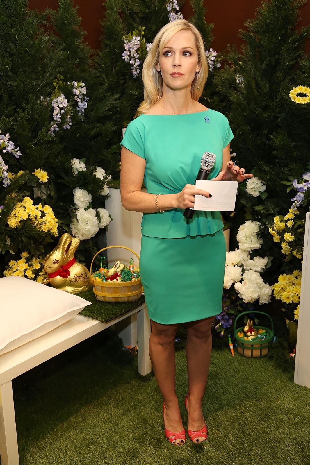 Las Vegas Auction >> Jennie Garth - 2013 Lindt Gold Bunny Celebrity Auction