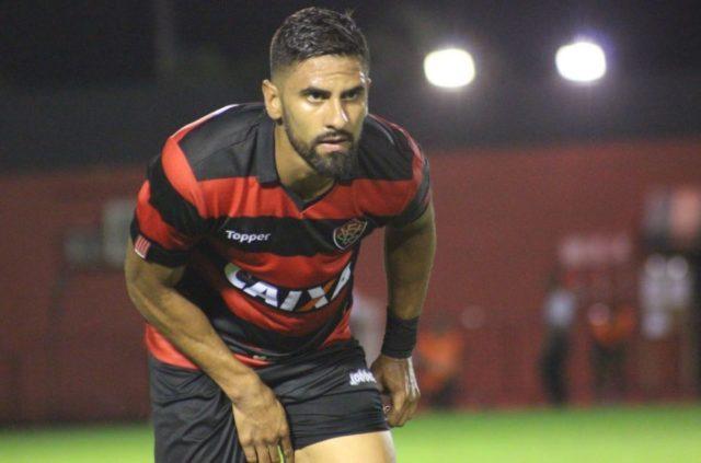 São Paulo entra na briga para contratar Santiago Tréllez, do Vitória, mas vê entrave financeiro 1