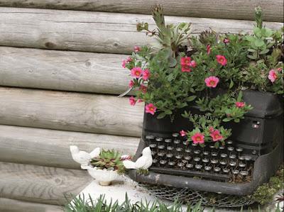 Maquina de escribir con flores