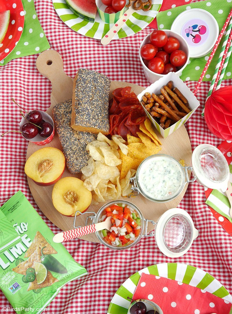 Tasty ideas for the perfect summer picnic party party for Summer food party ideas