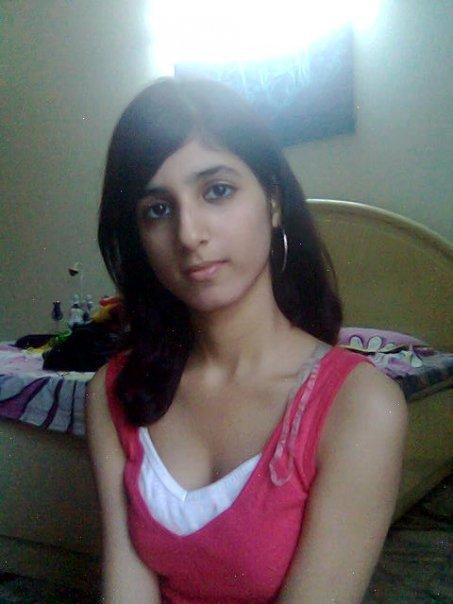 Funn99 Funn4Every1 Attractive Indian Dasi Girl