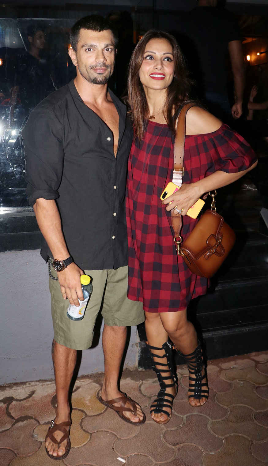 Karan Singh Grover and Bipasha Basu Snapped In Bandra