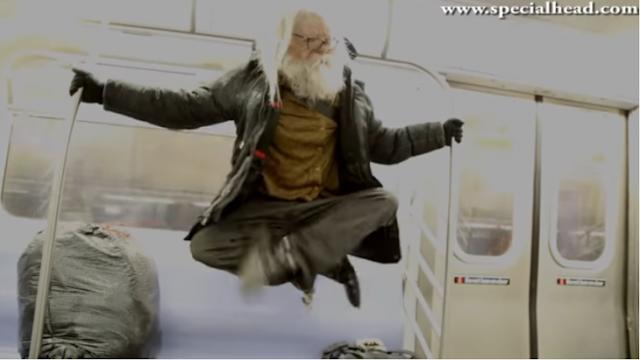 La increíble levitación de un mendigo en el metro de NY