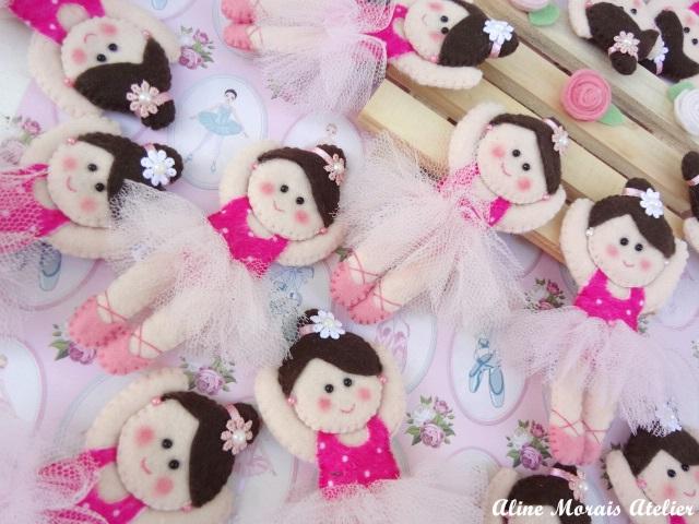 bailarina de feltro braços bacinhos levantados lembrancinha de maternidade comprar encomendar baratinha barata preço bom cara carinha