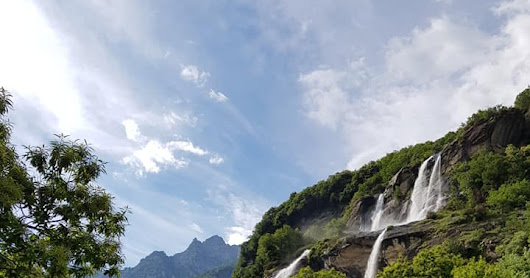 2 PLACES NON TO BE MISSED IN VALTELLINA - ACQUAFRAGGIA FALLS AND... PROSTO'S BISCUITS
