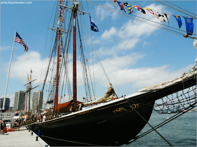 Fan Pier en el Puerto de Boston: Bluenose II