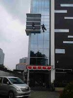 Jasa pembersih gedung