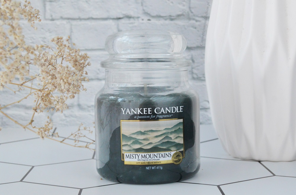Yankee Candle - świeca o zapachu Misty mountains