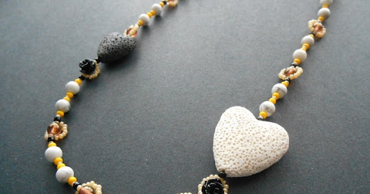 Inspirational Beading: Bees Heart Honey Necklace Tutorial