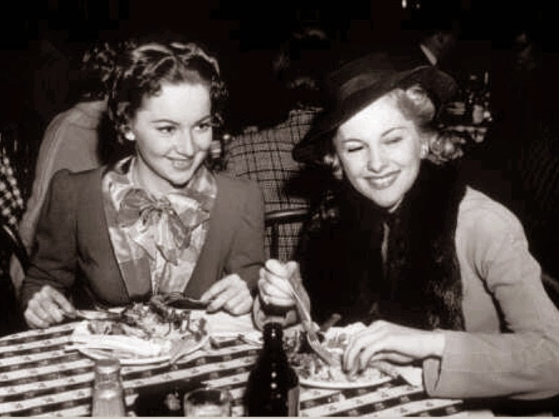 olivia de havilland and joan fontaine relationship