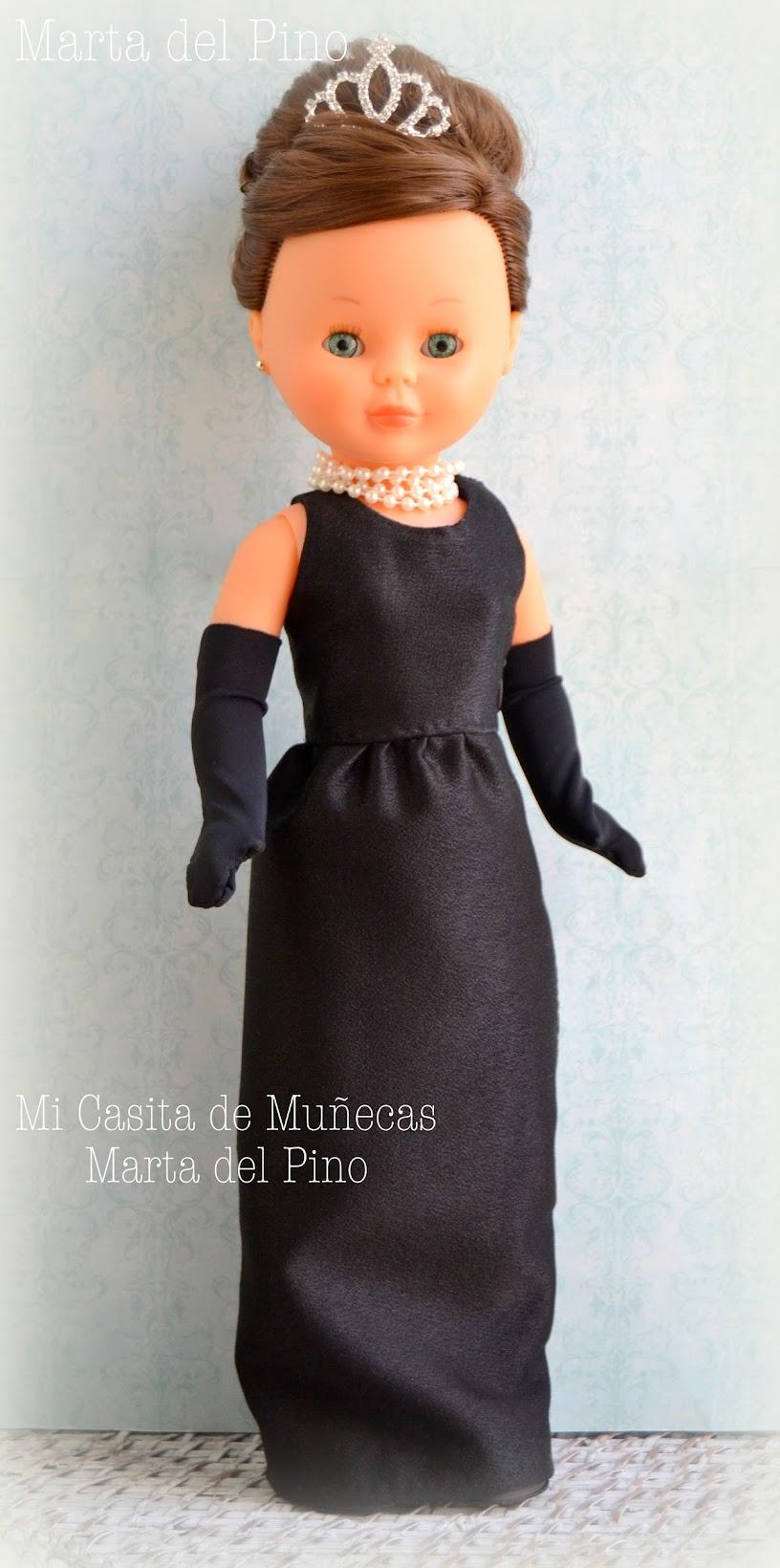 Nancy colección Famosa, vestido Audrey Hepburn desayuno con diamantes, Breakfast at Tiffany's, ooak, vestidos para Nancy de Famosa, Marta del Pino, Mi casita de Muñecas