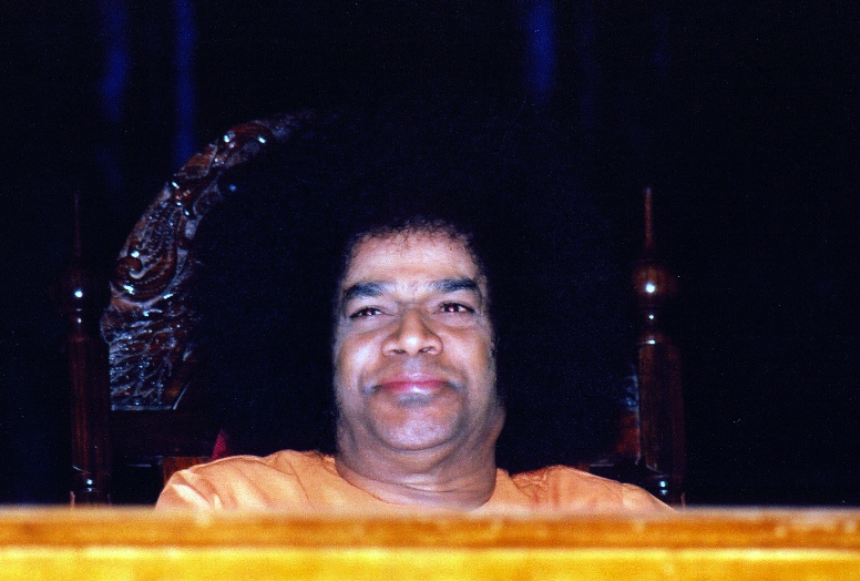 Sathya Sai with Students: How Much We Love You! - Humko