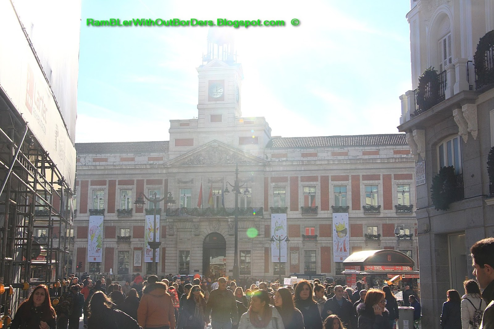 Rambler without borders puerta del sol sun gate madrid for Puerta del so