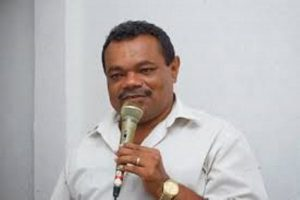 Mari\PB, Assis Firmino diz acreditar que prefeito sancionará lei de autoria do vereador Lói denominando a casa da cultura municipal