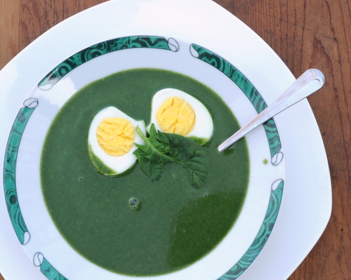 Spinach Soup with Perfect Hard-Cooked Eggs ♥ KitchenParade.com, homemade spinach soup, on the table in 30 minutes with still-warm easy-to-peel hard-cooked eggs. Vegetarian. Low Carb. High Protein. Weight Watchers Friendly.