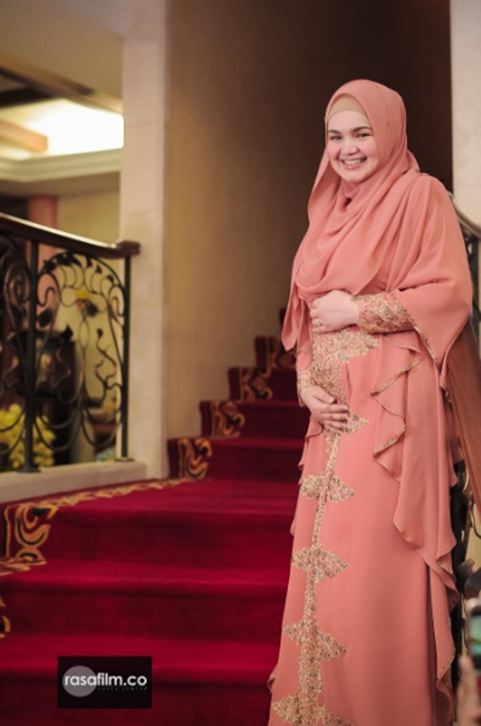 21+ Baju Siti Nurhaliza 2019, Inspirasi Terkini!