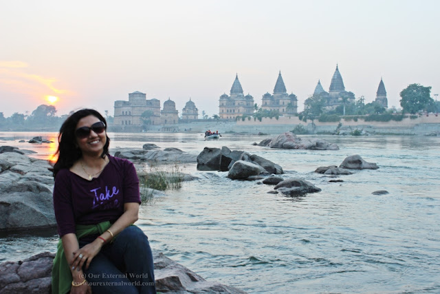 Sunset at Betwa River, Orchha (Cenotaphs in the background)