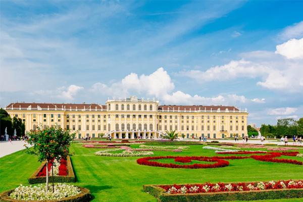 قصر الشنبرون