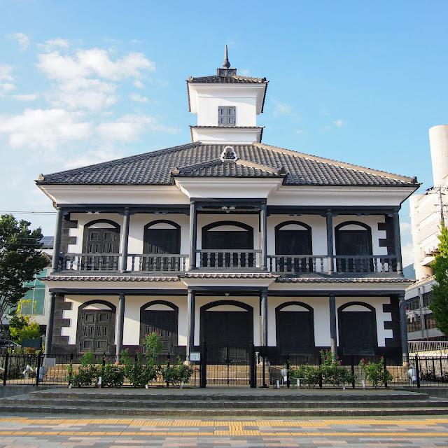 甲府 旧睦沢学校校舎